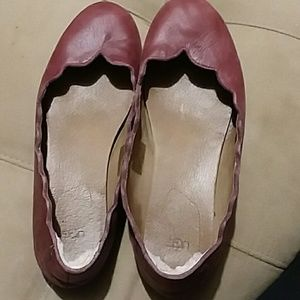 Uggs burgundy leather flats